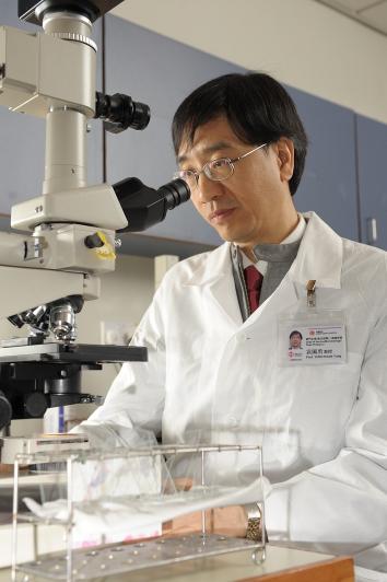 prof_yuen_kwok_yung